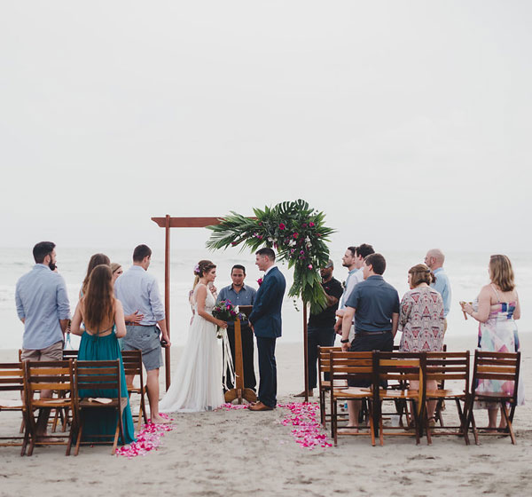 Las Cascadas Wedding Planner Hotels,  Playa Espadilla  Wedding Planner Hotels, Mango Moon Villa  Wedding Planner Hotels, El Faro Beah Wedding Planner Hotels, Mandarina  Wedding Planner Hotels